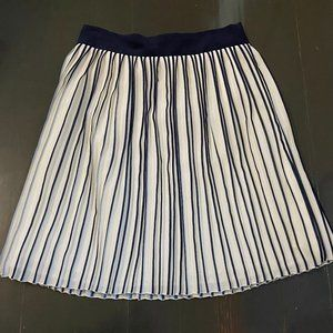 J. Crew Pleated Skirt Navy & White Size 00